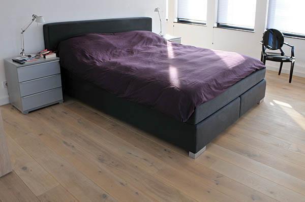 Witgeoliede-eikenhouten-vloer-slaapkamer