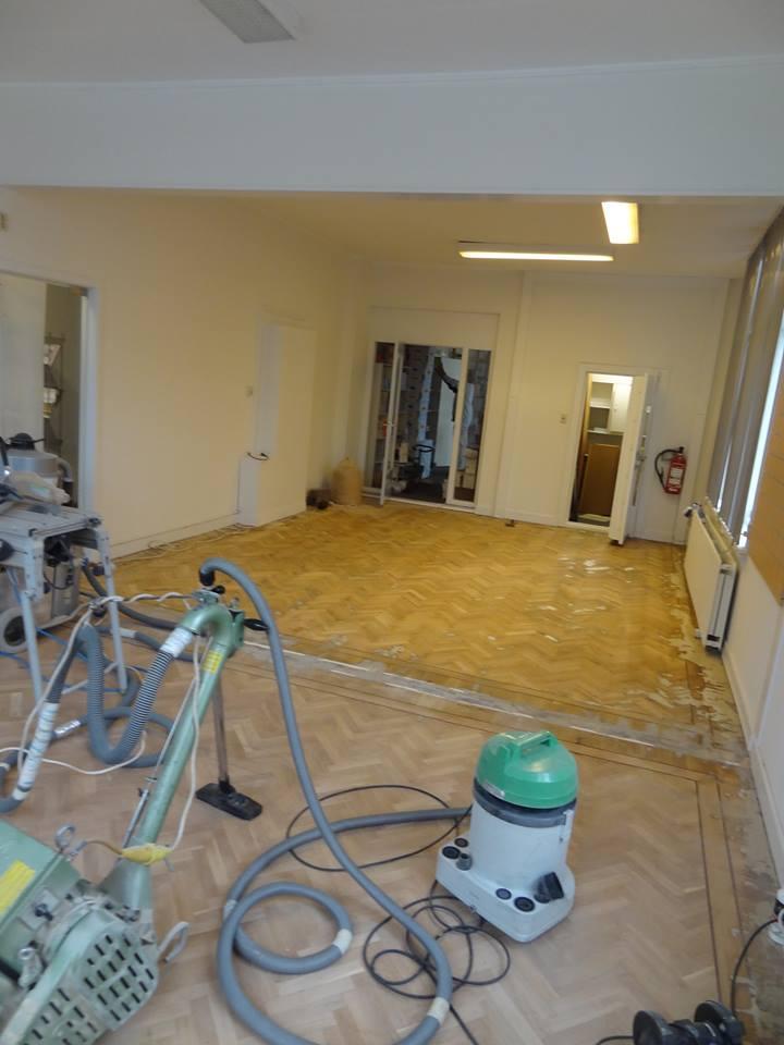 Houten-vloer-renoveren-tijdens